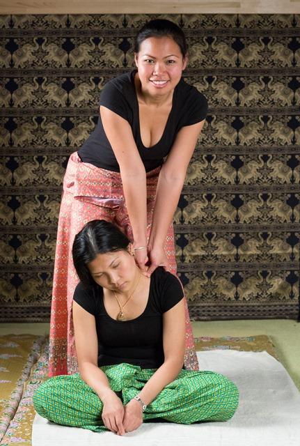 thaimassage arlöv escort skåne